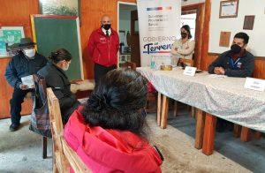 Conectividad y vivienda fueron temas tratados en comunidad de Caunahue con Gobernador Pérez de Arce