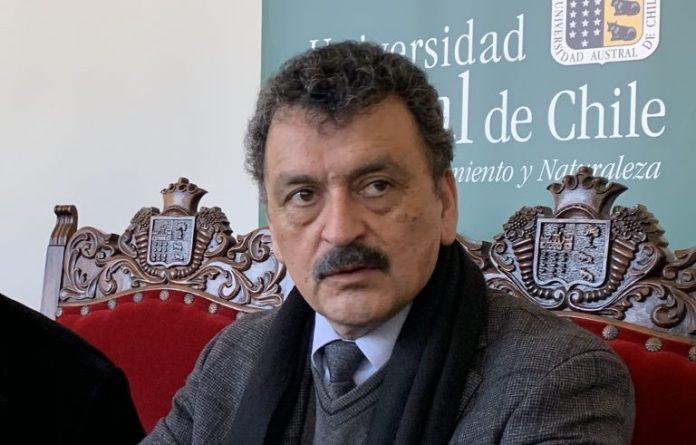 Rector de la Universidad Austral, Oscar Galindo presentaría su renuncia al cargo este martes 19 de enero.
