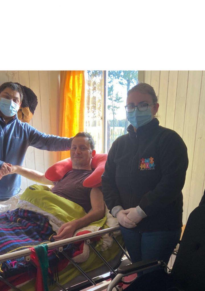 Municipalidad de Paillaco entregó silla neurológica a vecino del sector El Maitén